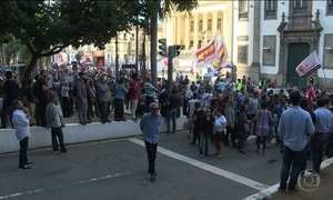 Contribuição previdenciária maior para servidores do RJ é aprovada sob protestos