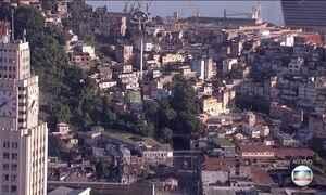 Polícia faz operação contra o tráfico de drogas em morros do Centro do Rio