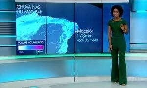 Chuva começa a perder força em Maceió, Recife e Salvador têm previsão de ressaca