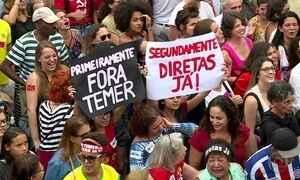 Manifestantes se reúnem no Rio para pedir a saída de Michel Temer e eleições diretas