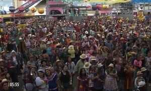 Mais de 800 casais formam a maior quadrilha junina do Brasil na PB