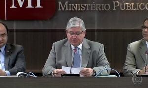 Janot inclui no pedido de prisão de Aécio foto do senador afastado na ativa