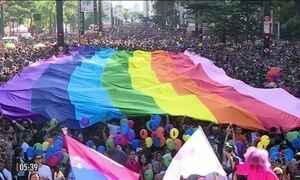 Parada LGBT reuniu multidão em SP
