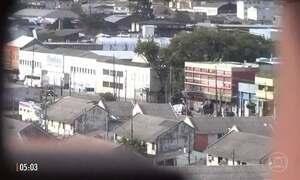 Traficantes de droga dominam parte do centro de Porto Alegre (RS)