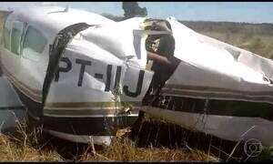 FAB intercepta avião carregado de cocaína em Goiás