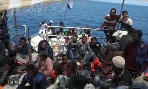 Quase nove mil imigrantes são resgatados no Mar Mediterrâneo nos últimos dias