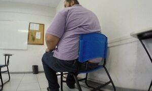 Estudante obeso tem dificuldade para lidar com tarefas básicas do dia a dia
