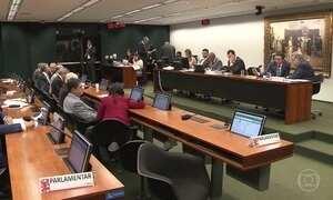 Governo tenta acelerar votação da denúncia contra Temer na comissão da Câmara