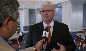 Janot diz que a saída dele não significa a interrupção das investigações sobre Temer