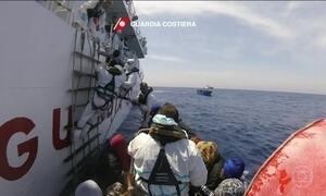 Ongs suspendem resgates no Mediterrâneo por se sentirem ameaçadas por autoridades líbias