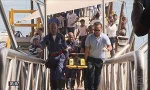 Acidente com lancha de transporte de passageiros deixa 18 feridos na BA