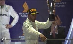 Lewis Hamilton vence mais uma na F1