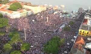 Procissão do Círio de Nazaré atrai dois milhões de fiéis em Belém