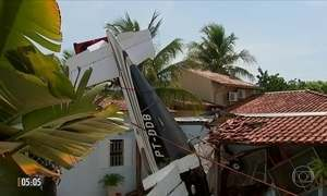 Três pessoas morrem em queda de avião em quintal de casa em São José do Rio Preto (SP)