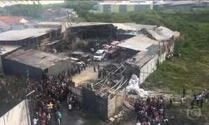 Incêndio em fábrica de fogos de artifício deixa 47 mortos e 46 feridos na Indonésia