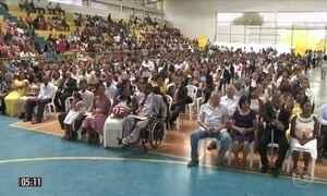 Cerimônia de casamento coletivo reúne 243 casais