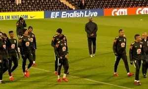 Tite pretende escalar equipe das Eliminatórias contra a Inglaterra