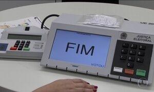 TSE faz testes de segurança em urna eletrônica que será usada em 2018