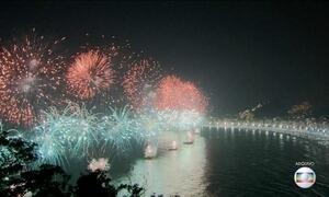 Rio de Janeiro se prepara para festa na praia de Copacabana