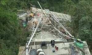 Ponte em construção desaba na Colômbia e nove pessoas morrem