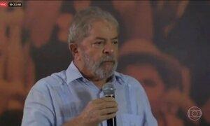 PT lança a pré-candidatura de Lula à presidência um dia após sua condenação