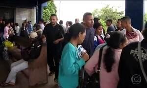 Venezuelanos continuam cruzando fronteira no estado de Roraima sem nenhuma restrição