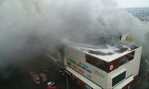 Incêndio em shopping mata pelo menos 37 pessoas na Rússia