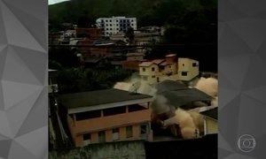 Casa desaba em Manhumirim, na Zona da Mata mineira