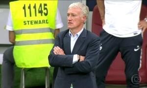 Didier Deschamps entra para o grupo que venceu a Copa como jogador e técnico
