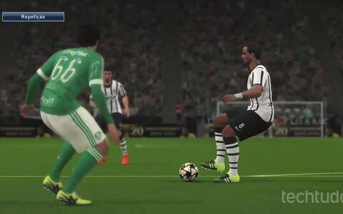PES 2016 - Demo do game mostra partida entre Palmeiras X Corinthians