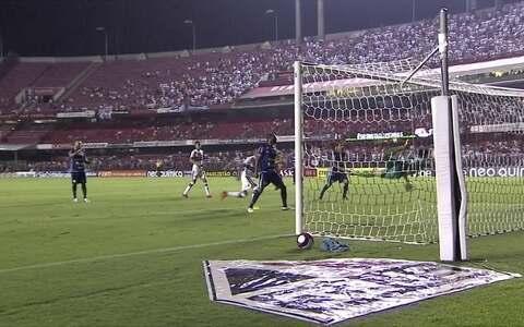 No Morumbi. São Paulo  vence São Bento por 3 a 2  no Campeonato Paulista