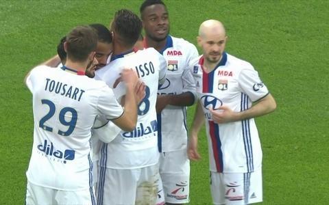 Lyon goleia Metz na 27ª rodada do Campeonato Francês: 5 a 0