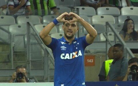 Arrascaeta garante vitória  sobre América e coloca  Cruzeiro na final: 2 a 0
