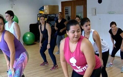 """Grupo """"Kinhetes"""" mostra desenvoltura com a dança"""