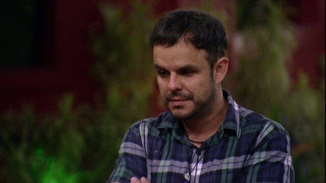 Tamires perde paciência e tem papo reto com Adrilles