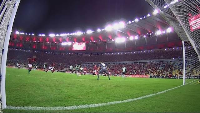 BLOG: Gladiator! Confira a narração internacional do gol que assegurou o Coxa na Série A