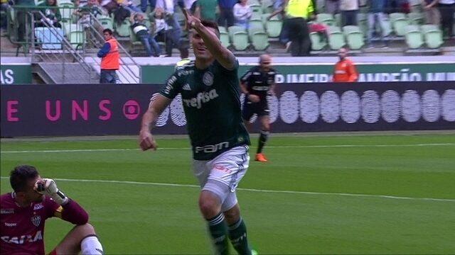 Gol do Palmeiras! Juninho erra feio, Moisés se aproveita e marca, aos 2 do 1º tempo