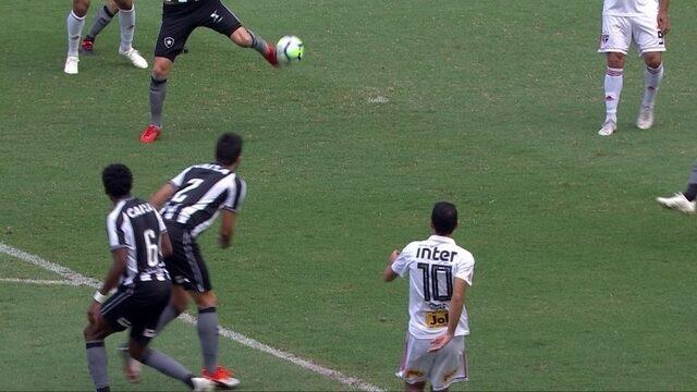 Central do Apito: PC explica por que o gol de Diego Souza, do São Paulo, foi validado
