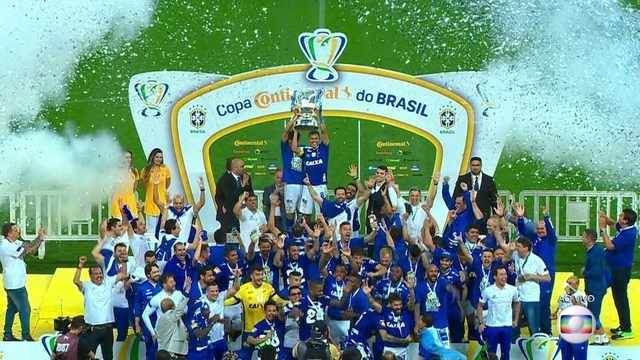 Cruzeiro levanta a taça da Copa do Brasil 2018
