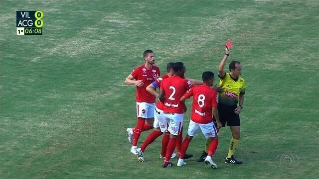 Wesley Matos faz falta em Jorginho e recebe cartão vermelho aos 6 minutos!