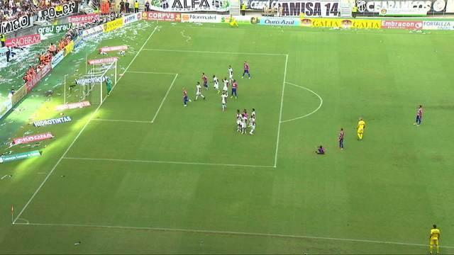 Roger Carvalho faz o primeiro gol no Clássico-Rei da final do estadual