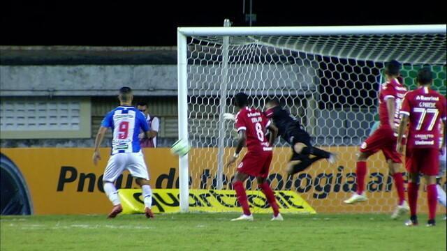 Marcelo Lomba salva o Inter em cabeçada de Nicolás e em chute de Paulo Rangel aos 8 do 2º tempo