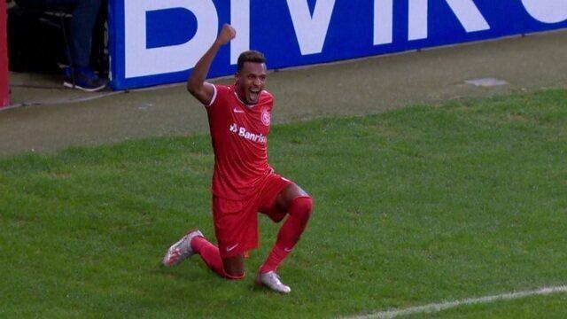 Gol do Inter! Edenílson abre o placar, aos 30' do 2º tempo