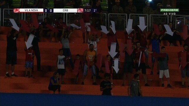 Protesto inusitado! Torcedores do Vila Nova usam setas para indicar o caminho do gol