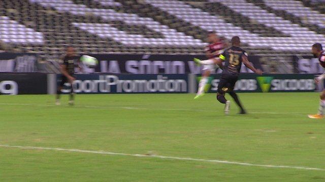 Melhores momentos: Ceará 2 x 0 Flamengo pela 10ª rodada do Brasileirão 2020