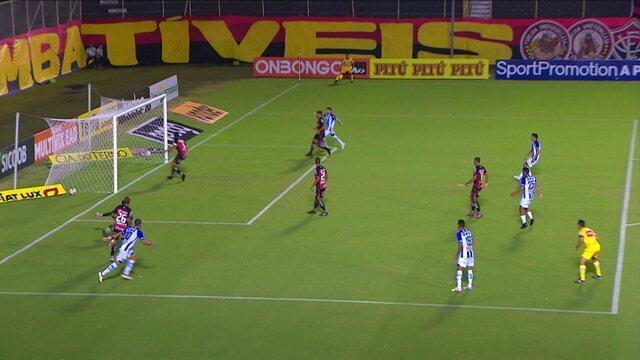 Gol do CSA! Paulo Sérgio recebe na área, passa pelo goleiro e marca, aos 12' do 1T