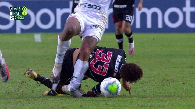 Felipe Melo sofre lesão no tornozelo e sai do jogo, aos 34 do 2ºT