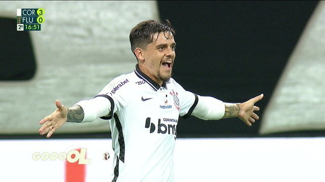 9176564 Corinthians goleia o Fluminense e encosta na briga por vaga na Libertadores