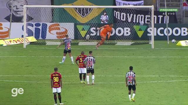 Aos 53 min do 2º tempo - gol de pênalti de Vargas do Atlético-MG contra o Sport
