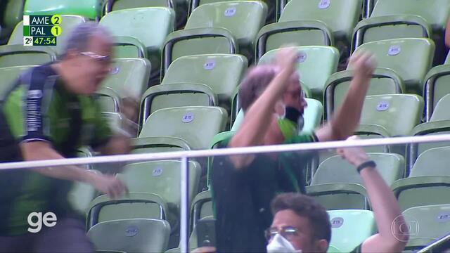 Aos 47 min do 2º tempo - gol de pênalti de Ademir do América-MG contra o Palmeiras